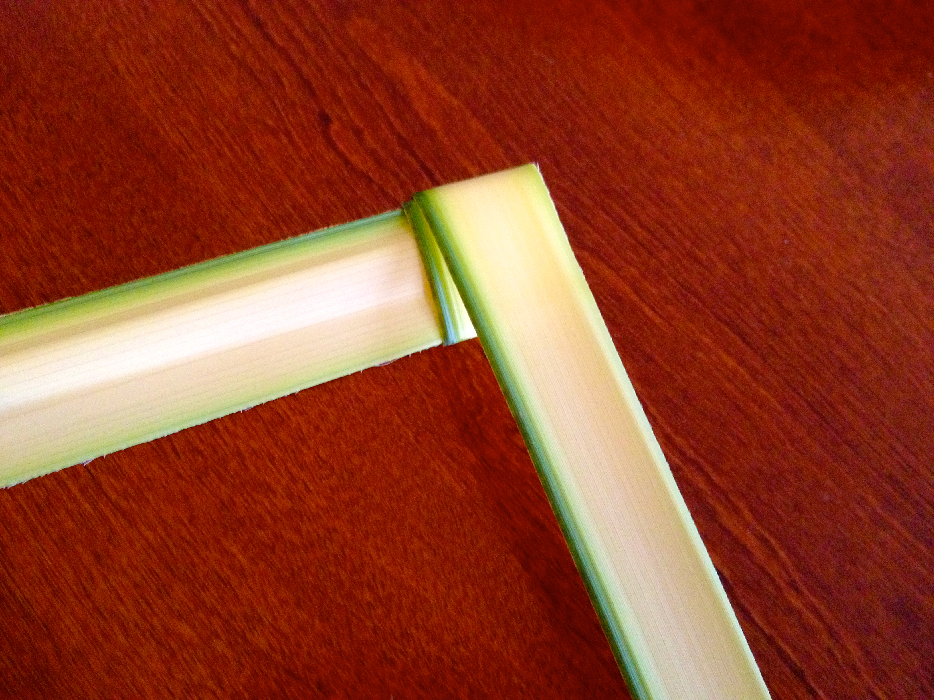 How to make a cross from palm leaves easy